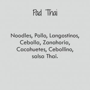 Pad Thai Bowl / 696 cal
